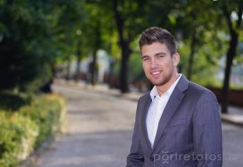 Üzleti portré, business portré, fiatal üzletember